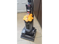 Dyson vaccum cleaner in good working condition.