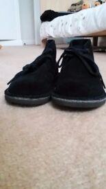 Clarkes unisex ankle boots