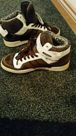 adidas shoes uk 9 only £25