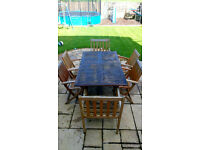 GOOD QUALITY GARDEN EXTENDABLE TABLE AND 6 CHAIRS