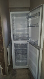 Fridgemaster MC55250 Freestanding 50-50 Fridge Freezer White