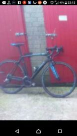 Raleigh c5 carbon road bike 56 med only 8kg like new £700 one owner from new