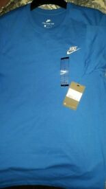 Nike t-shirt. Size L ( more a M - L ). Brand new with tags