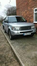 Silver Range Rover Sport