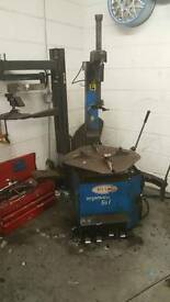 Megamount 501 rft tyre machine