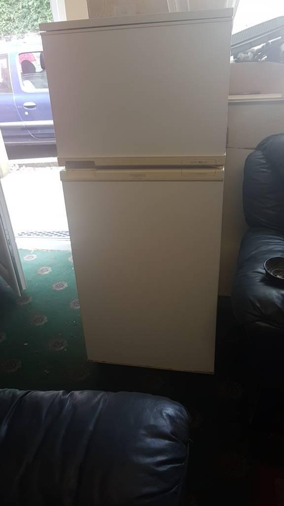 Hot point fridge freezer