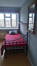 room rent in Loughton.100£