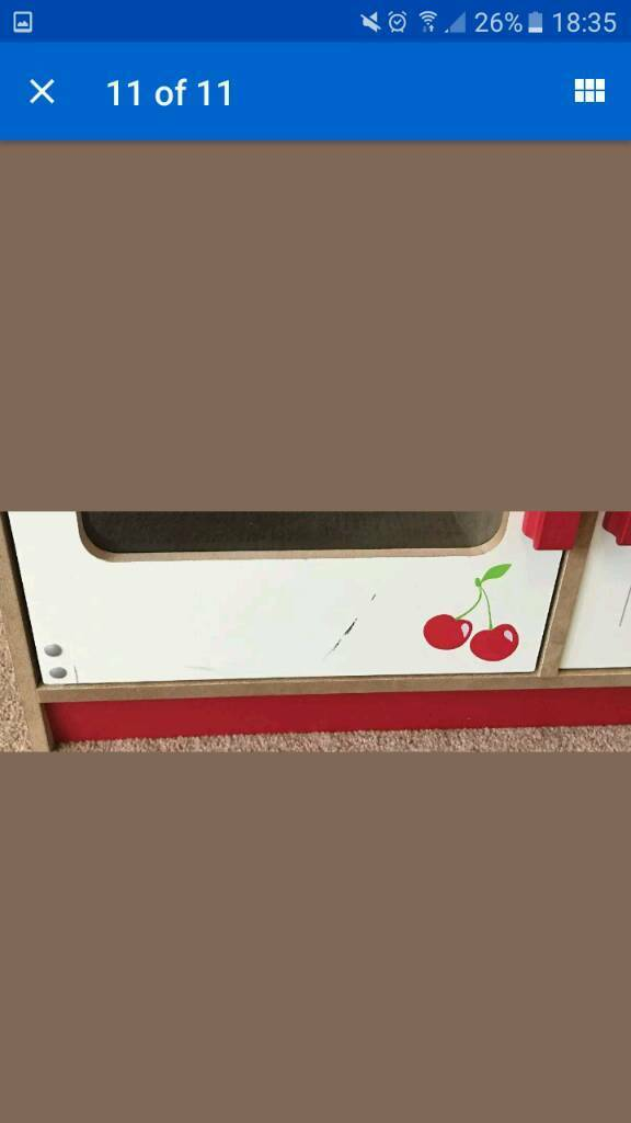 Wooden play kitch
