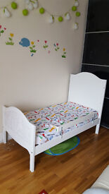 JOHN LEWIS COT THAT TURNS INTO TODDLER BED