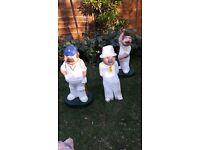 5 garden ornament cricketer statues