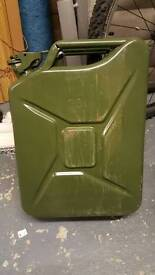 4no 25l metal jerry cans
