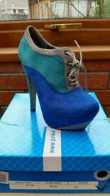 Brand New blue grey boots heels size 35 UK 2.5