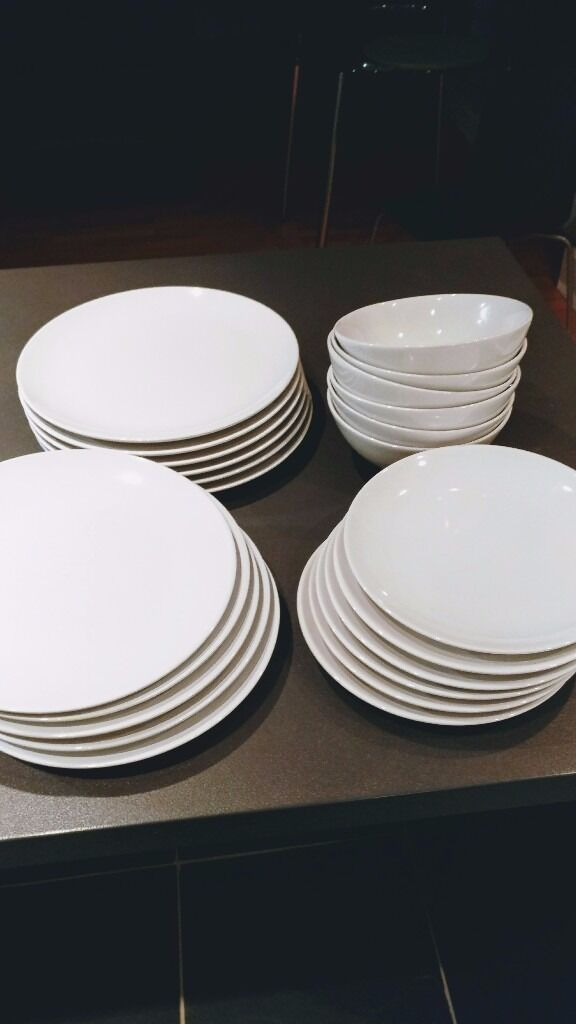 Ikea Fargrik 18 Piece Dinnerware Set 5 White Plates
