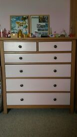Chest of drawers wooden for bedroom