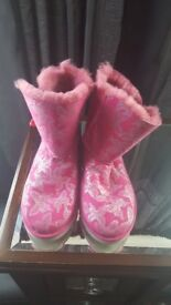 New Emu Boots size 5