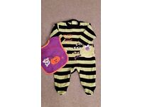 Baby Halloween Outfit / costume age 0-3 months. excellent condition plus Bib.