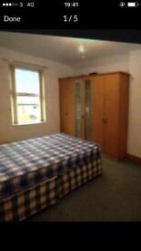 Furnised double bedroom near city centre..