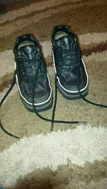 Used size 4 Rockports,black,gd condition