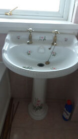 3 piece bathroom suite for sale. Vintage style with floral design.