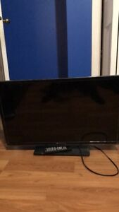 """32"""" Element HD TV with 3 HDMI ports"""