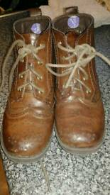 Boys Xti brogue boots
