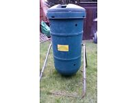 Compost Tumbler with metal stand