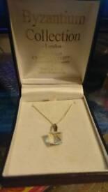 Swarovski necklace, never worn £10