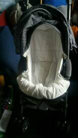 3 in 1 pram, carrier and car seat. Good condition