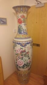 MASSIVE FAMILY ROSE BALUSTER VASE ( CASH ON COLLECTION )