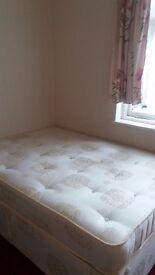 DOUBLE BEDROOM IN CHESHUNT
