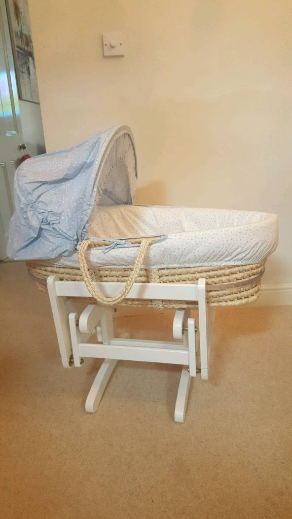 Space dreamer moses basket and glider stand
