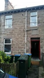 Flat in Perth, One bedroom, Fully furnished. central heating. first floor. street parking
