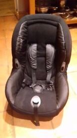 Maxi Cosi Priori Car Seat (Forward facing) - Suitable for 9 months - 4 years or 9-18kg