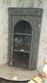 Upcycled corner unit