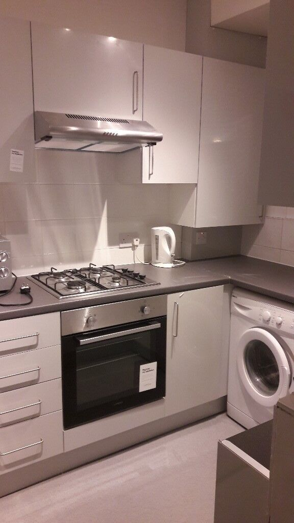 STOCKWELL for £1,800 per month