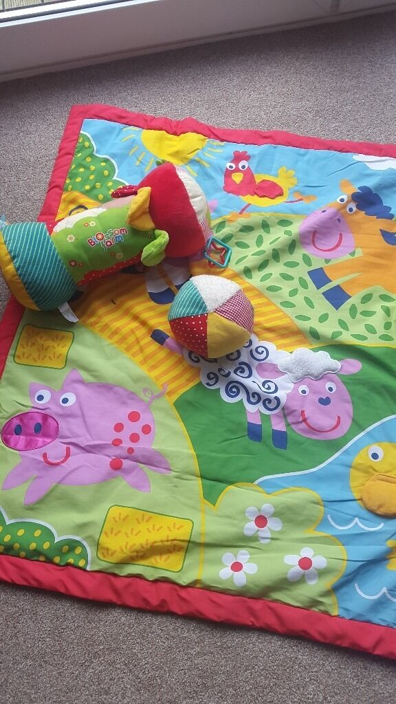 New born12 month baby mat, tummy roller and ballin Washington, Tyne and WearGumtree - Baby mat with tummy time roller and soft ball. Great for babies and suitable from newborn. Toys rattle and have teething aids on the side with different textures for exploring babies. Excellent condition. Tiny pen mark on the mat. All washable. From...