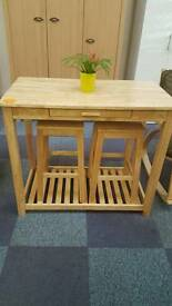 Solid oak breakfast table and 2 bar stool