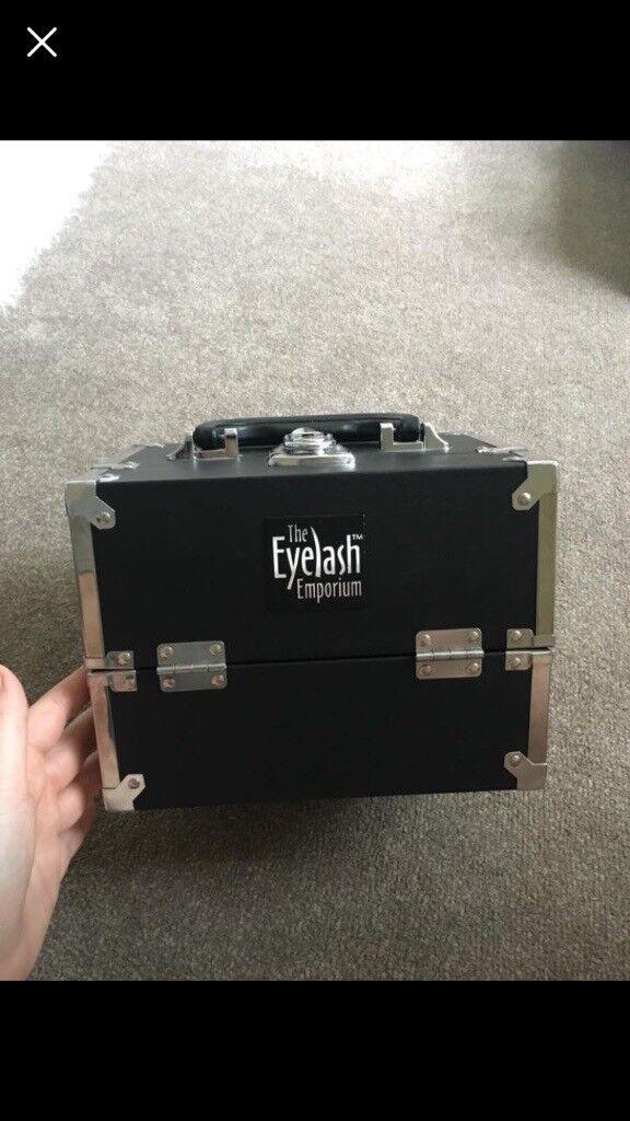 Semi Permanent Eyelash Emporium Kit In Little Neston Cheshire