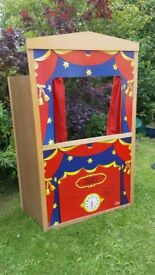 Vintage puppet theatre. Folds flat. Very good condtition.