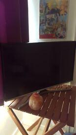"New Samsung LED Smart TV 32"""