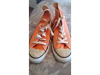 PEACH CONVERSE ALL STARS WITH DIAMONTES SIZE 5