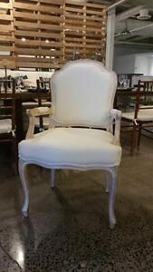 Chaise rembourée avec bras, Lin et Bois Blanchi - 2 modèles -