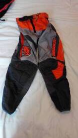 Answer moto x trousers