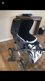 Silver cross Sleepover pram. Hardly used. Can deliver. Car seat also available