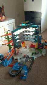 Hot wheels large garage vgc with sounds and lights