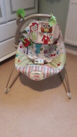 Fisher Price Woodsy Friends Comfy Time vibrating bouncer chair
