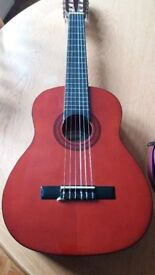 CHILD'S 1/4 SIZE ASHTON CLASSICAL GUITAR VERY GOOD CONDITION IDEAL FOR BEGINNER