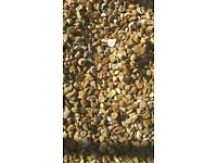 Decorative gold gravel chipping