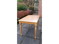 Solid pine kitchen or dining room table, rustic, country feel, excellent condition