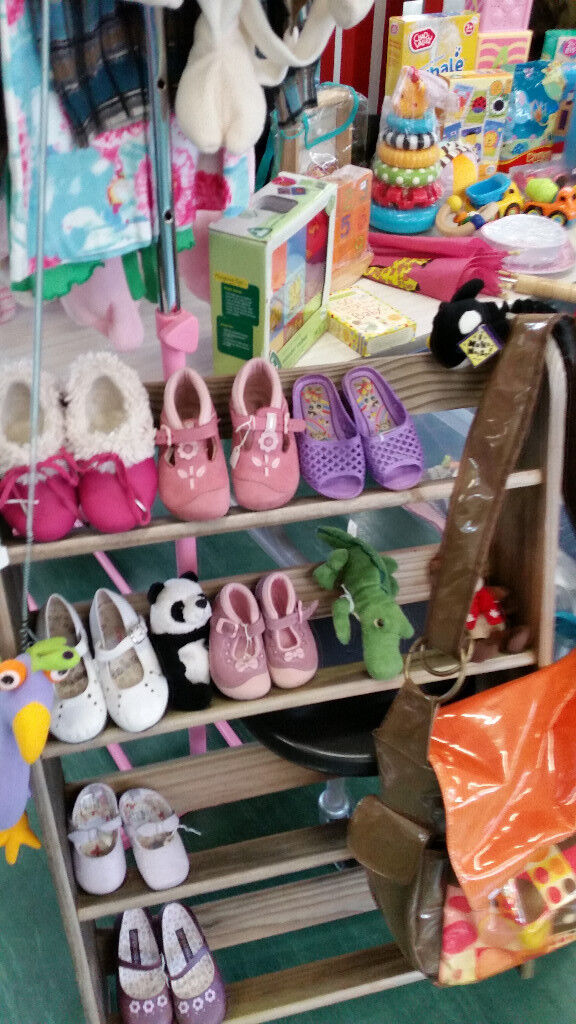 5d91f6903 ... Top quality secondhand baby and children's clothes, toys & equipment.  Wimbledon, London. Images; Map. https://i.ebayimg.com/00/s/MTAyNFg1NzY=